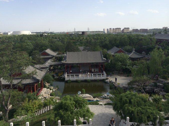 从万景阁上俯瞰整个北京园