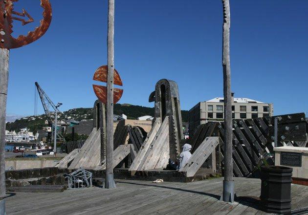 图16. City to Sea景观桥