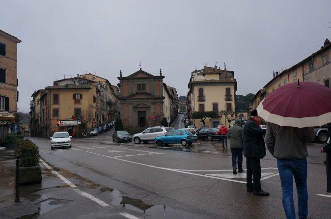 照片摄于上图中7广场处,右一路近端为兰特庄园侧门,右二为正门