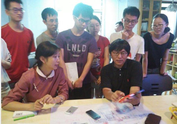 同学们与刘老师和宝章总交流